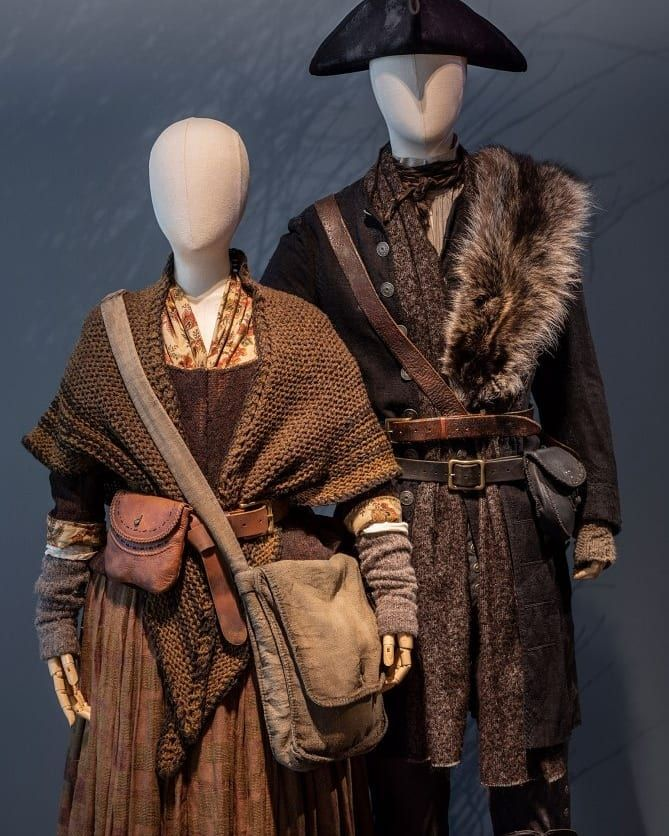 Https Www Facebook Com Outlanderbrasil Photos Pcb 1951962228224542 1951962018224563 Type 3 Theater Ifg 1 Outlander Costumes Fantasy Clothing Outlander Style