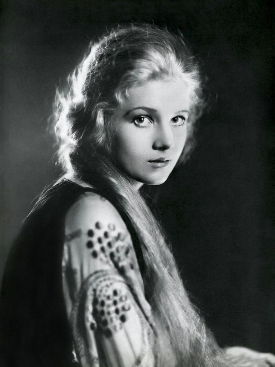 [on actress Ann Harding] The pretty and highly regarded Ann Harding, a woman of great charm, integrity and beauty. -Larry Olivier