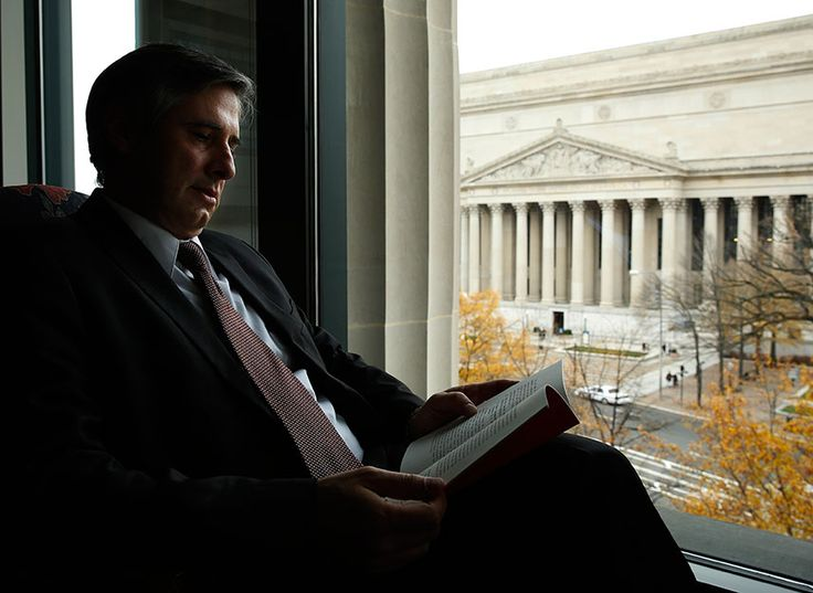 At America's court of last resort, a handful of lawyers now dominates the docket:   A cadre of well-connected attorneys has honed the art of getting the Supreme Court to take up cases - and business is capitalizing on their expertise. Inside, an elite cadre of lawyers has emerged as first among equals, giving their clients a disproportionate chance to influence the law of the land.