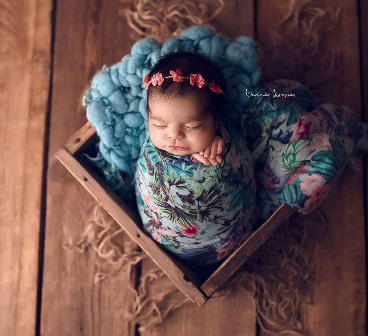 blue teal handspun hand dyed curly blanket tieback bow layer photography photo props newborn woolanddreams wool chunky inspiration