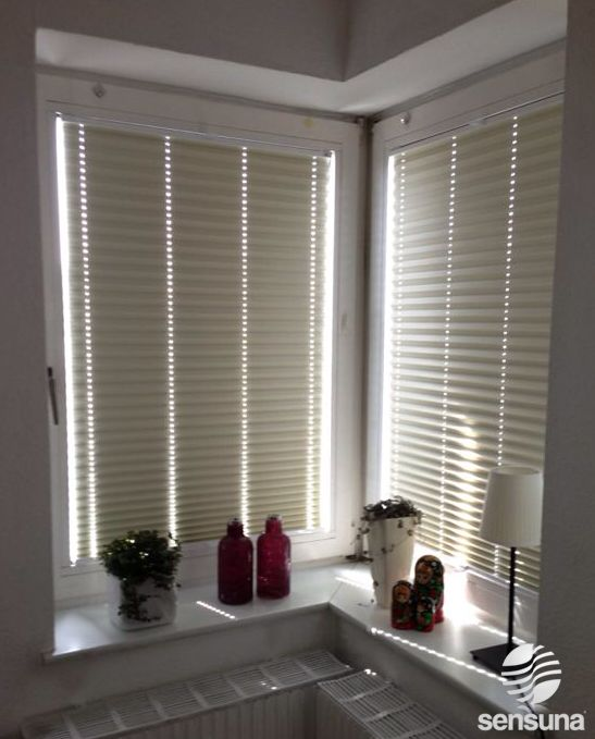 New wei e Verdunkelungsplissees von sensuna white pleated blinds from sensuna weiss white PlisseeWohnzimmerJalousie