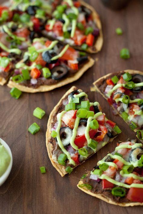 Skinny Mexican pizza - Snixy Kitchen