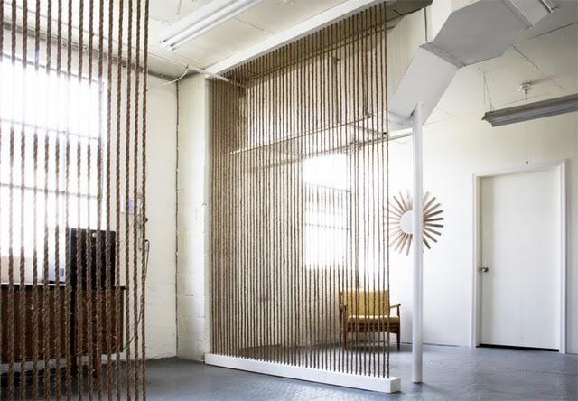 Separar ambientes con un muro de cuerdas