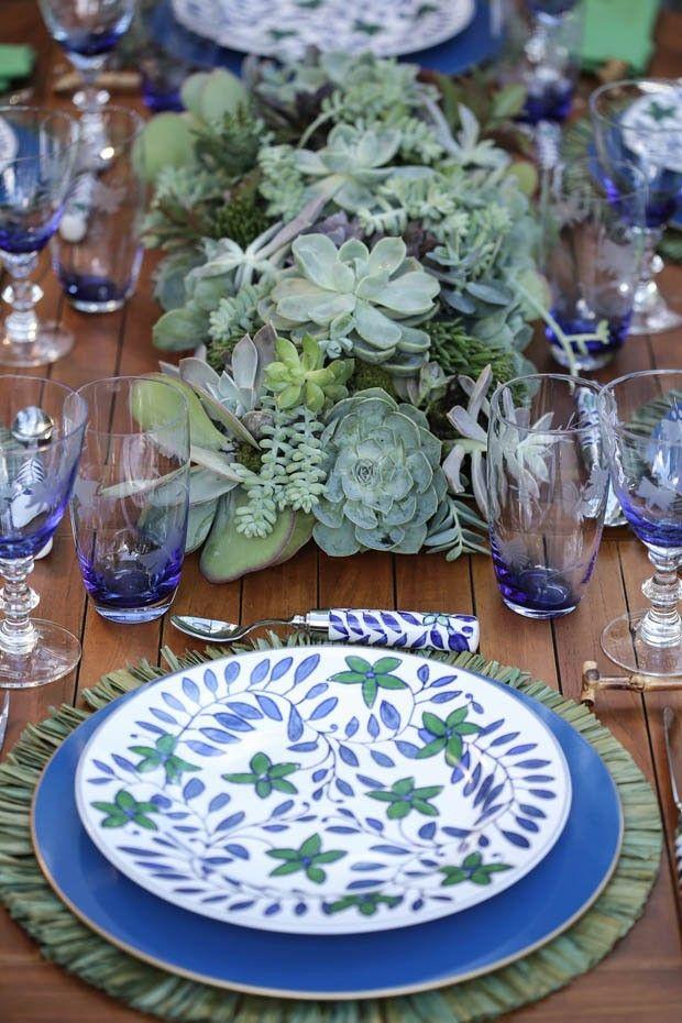 Azul e verde: um almoço no jardim