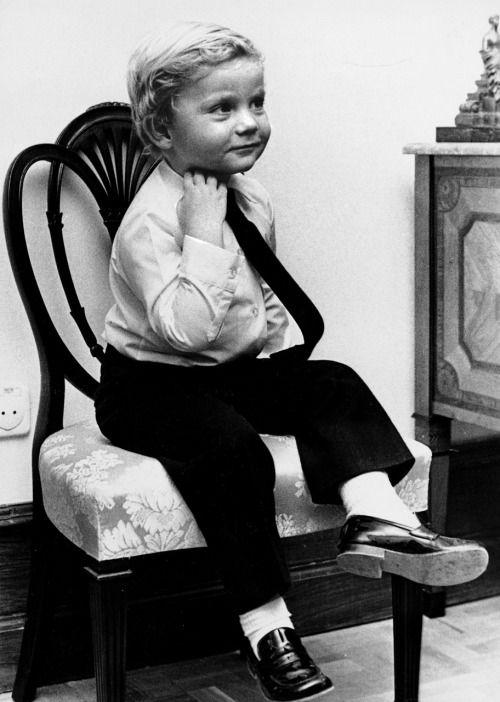 King Felipe's Infancy ~ Look at young King Felipe VI of Spain (by then Infante Don Felipe) being a precious little boy | 'allroyalwatchers'