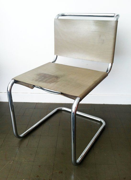 Vintage Knoll Spoleto chair, circa 70's. Always a wonderful accent. Solid stylish tubular design with greyish green leather. Color wear on seat reflected in price. Delivery available. This pie...