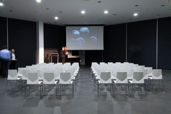 Conference chairs | Conference-Meeting | Four Cast. Check it out on Architonic