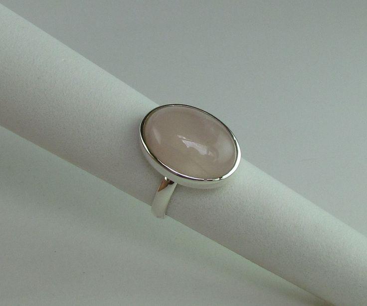 Anel em prata 950 , aro 16  Cabochão quartzo rosa de 13 x 18 mm