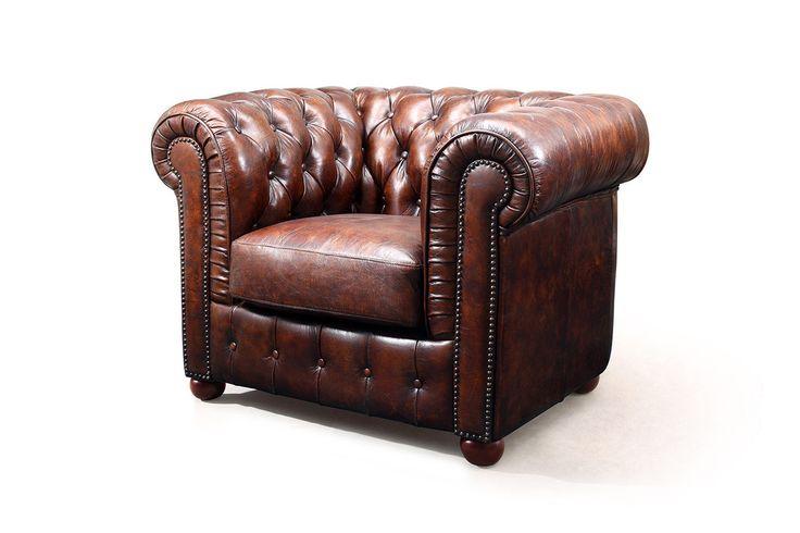 Fauteuil Chesterfield en cuir marron vintage Rose & Moore de profil WBP-1051