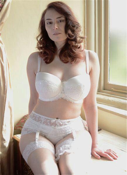 Megan sweet nude pussy