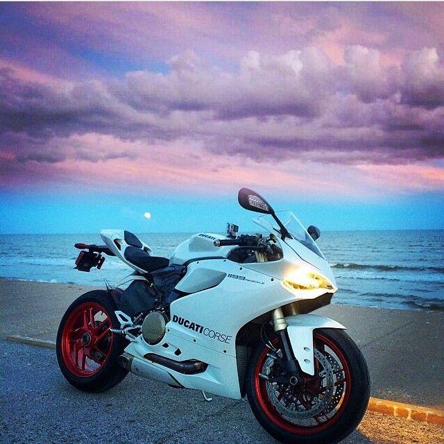 1199 Panigale Photo: @250mosesf Hashtag #2WP on your pics for a chance to be featured #motorbike #motorcycle #sportsbike #yamaha #honda #suzuki #kawasaki #ducati #triumph #victory #buell #aprilia #harleydavidson #r1 #r6 #cbr #gsxr #fireblade #hayabusa #zx10r #bmw #s1000rr #ktm #bikelife #Twowheelpassion