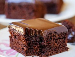 Jedna miska, základné suroviny, bez mixéra a s príjemnou čokoládovou chuťou.
