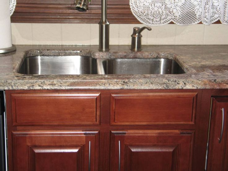 Autumn rose crema bordeaux granite counters with cherry for Cherry bordeaux kitchen cabinets