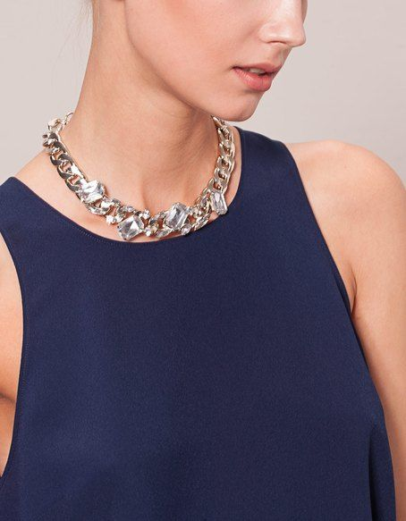 NECKLACES for woman at Stradivarius online. Visit now and discover the NECKLACES we have for you | Free returns.