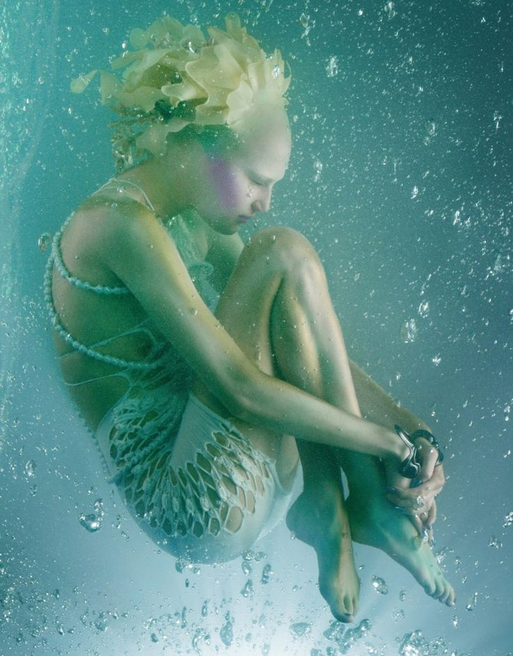 The Girl From Atlantis | Publication: Vogue Japan May 2010 Model: Alla Kostromichova Photographer: Sølve Sundsbø
