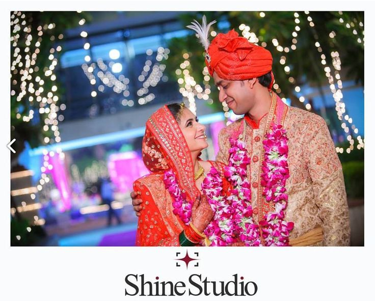 We might not know much about photography but the professional photographers do! The talented photographers from Shine Studio have the knack for capturing the ideal moments of your wedding day. Contact @evenddings  for more details. #evenddings #weddingphotography #weddingphotographer #weddingtrends, #professionalweddingphotographers #weddingphotos #DestinationPhotographer #bridalphotos #groomphotos #brideandgroom #bridesmaid #weddingflowers #weddingdress