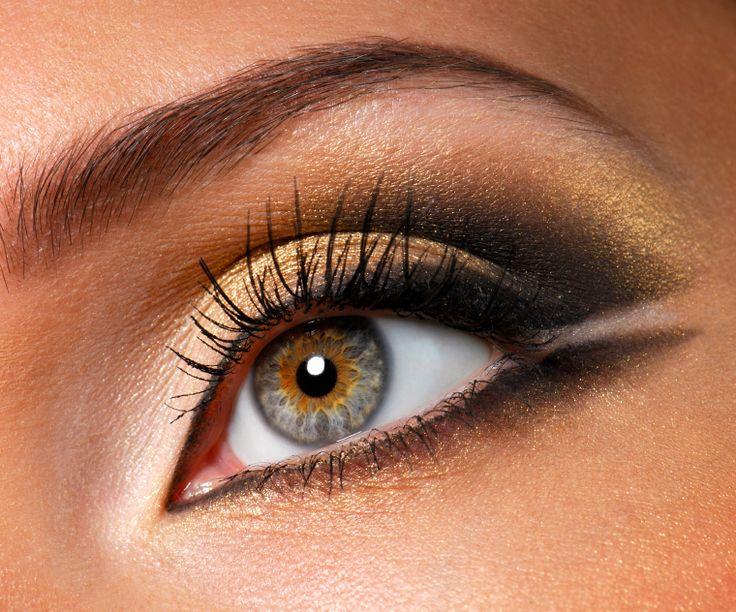 gold and black make-up: Eye Makeup, Cat Eye, Eye Shadows, Makeup Ideas, Hazel Eye, Eyemakeup, Eyeshadows, Makeup Design, Gold Eye