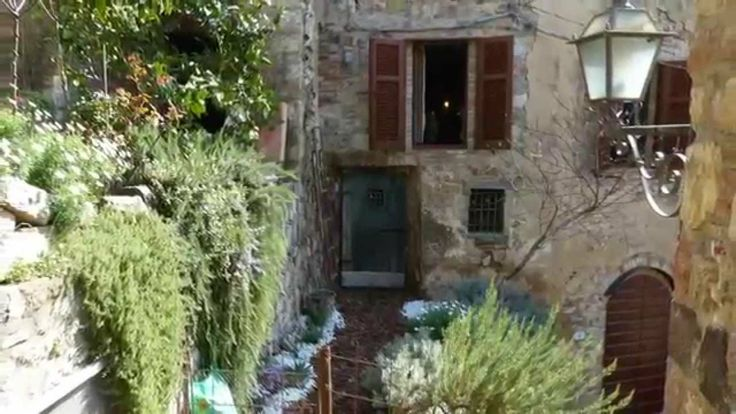 Romantic Tuscany accommodation in Maremma Italy: a bed and breakfast apartment for dreamers :)