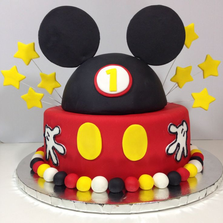 Mickey Mouse Cake!                                                                                                                                                      Más