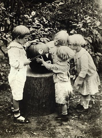 vintage photo pumpkin carving