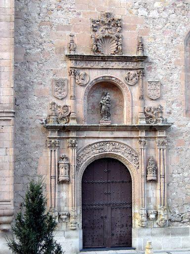 Salamanca - Convento de las Dueñas  © Robert Bovington  http://bobbovington.blogspot.com.es/2011/11/salamanca.html