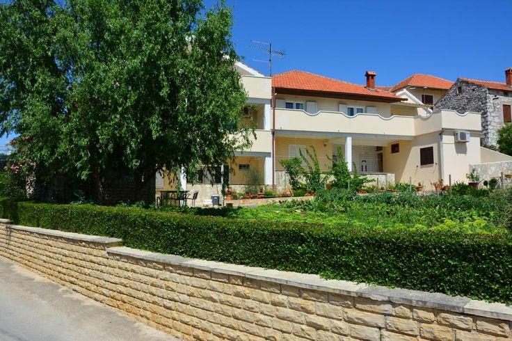 Obiekt Merita Apartments znajduje się w miejscowości Sveti Filip i Jakov, 23 km od Zadaru.