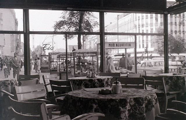 Kurfuerstendamm, West Berlin, 11 September 1959