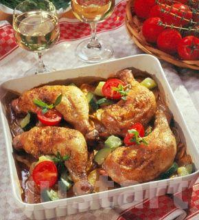 Lajos Mari konyhája - Csirkecomb cukkinis krumpliágyon