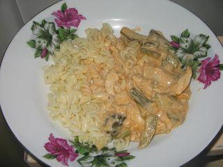 Heni modern konyhája: Csirkemellragu