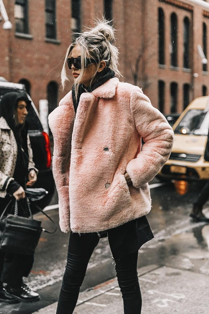 Street style New York Fashion Week, febrero 2017  Diego Anciano