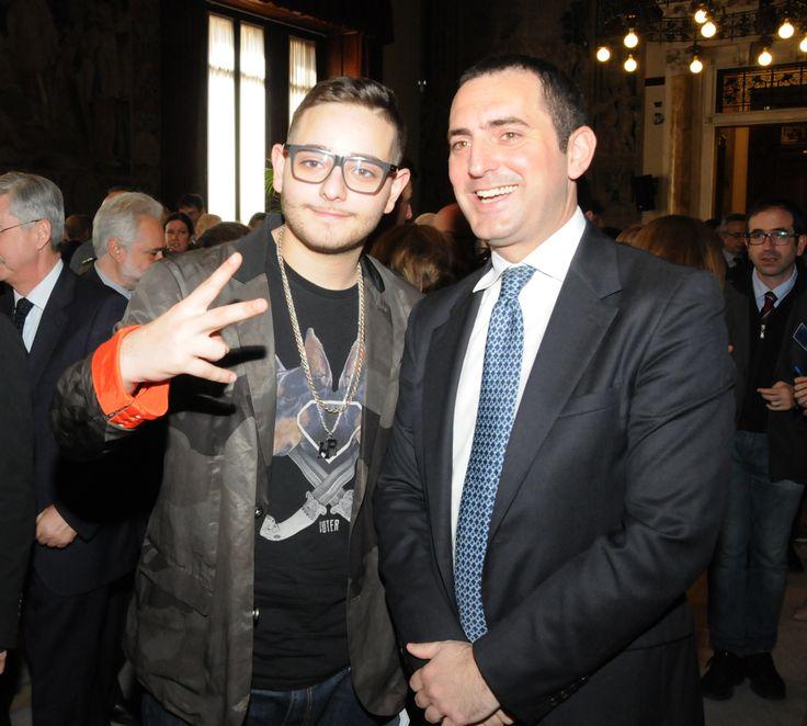 Il giovanissimo rapper Rocco Hunt con Vincenzo Spadafora.