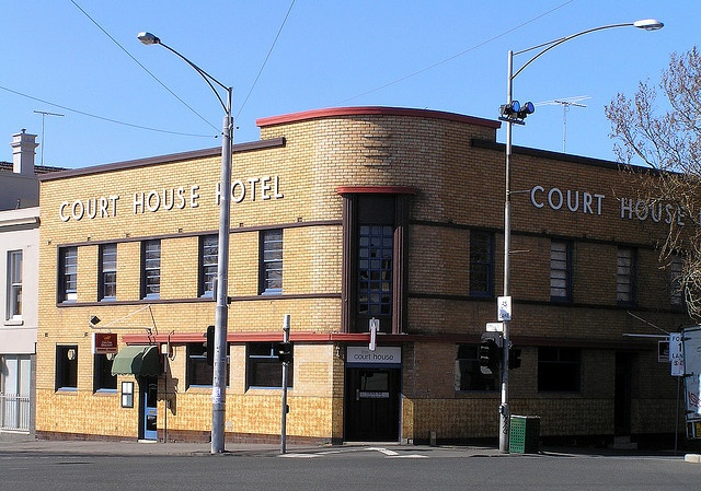 Court House Hotel, North Melbourne.