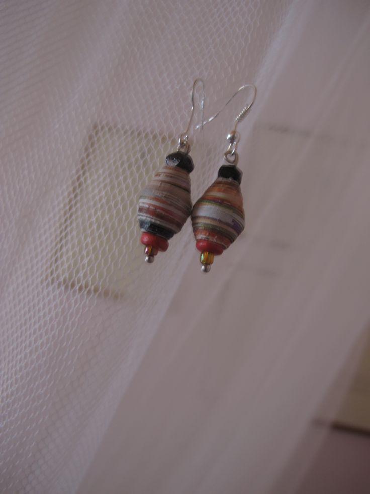 σκουλαρίκια  με χάντρες από χαρτί