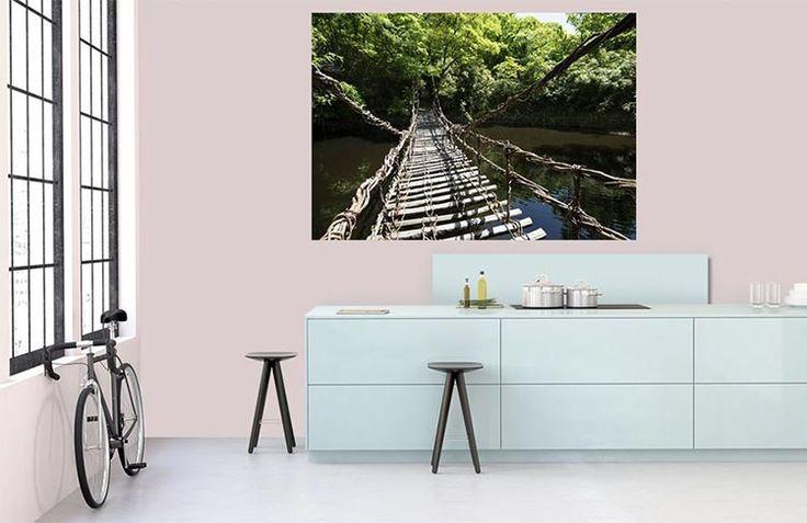 Poster géant Trek à Bali : pont de singe suspendu au-dessus de la rivière