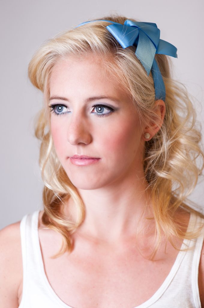 ALICE (in Wonderland) Makeup Tutorial + Interview | SocialStudies. love the bow!