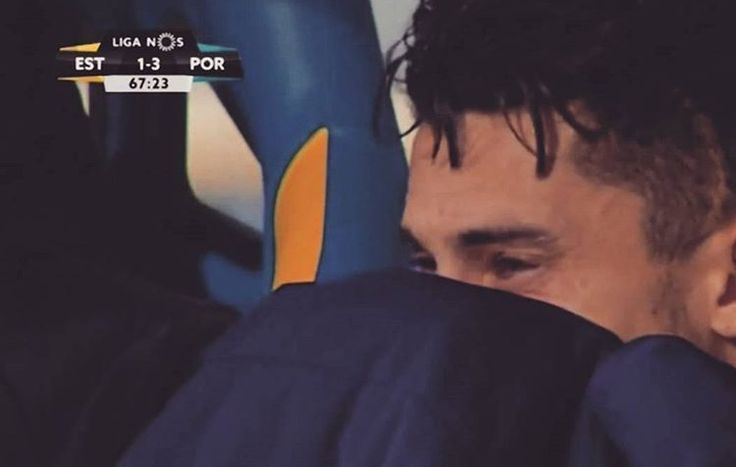 Alex Telles Crying After Get Hurt