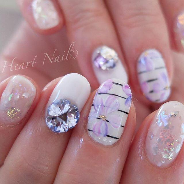 ボーダーフラワー♡ #nails#nail#nailart#nailstagram#gelnails#nailart#ネイル#ネイルアート#ネイルデザイン#ネイリスト#ネイルサロン#大人可愛い#大人ネイル#上品ネイル#オフィスネイル#ジェルネイル#シンプルネイル#野田市#ブライダルネイル#フラワーネイル#ボーダーネイル