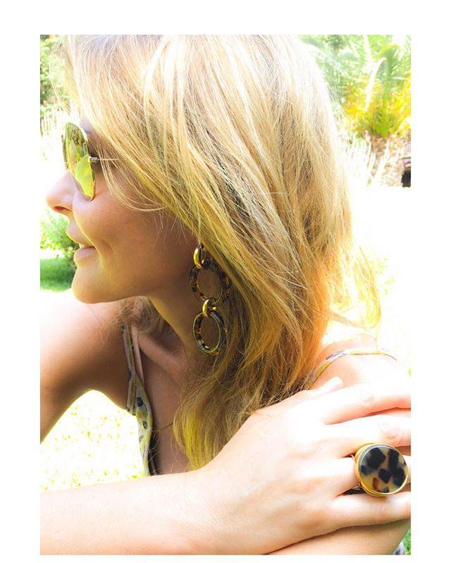 #todayILove Τα πιο hot κοσμήματα του καλοκαιριού...δείτε τα στο #jennygr #myfollifollie #kkcollection #tropicalspiritline