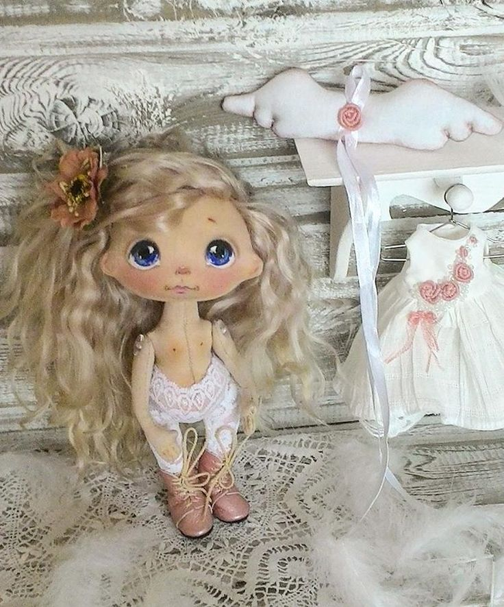 Ангел- он рядом, Близко, чуть слышно, Крыльями машет. Тихо так дышит... #куклыеленывылегжаниной #текстильнаякукла #кукла #подарок #подарокнановыйгод #ярмаркамастеров #мск #спб #ангел #doll #artdoll #clothdoll #handmadedoll