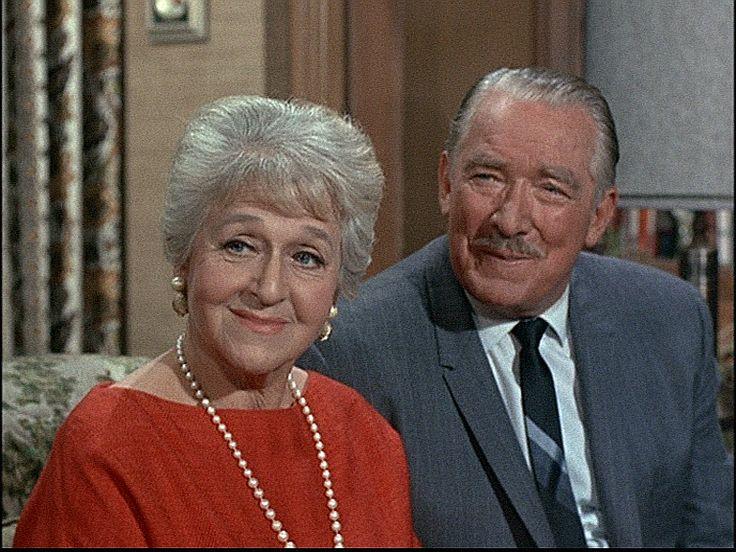 bewitched season 4 episode 23 mc tavish 15 feb 1968 roy roberts mabel albertson. Black Bedroom Furniture Sets. Home Design Ideas