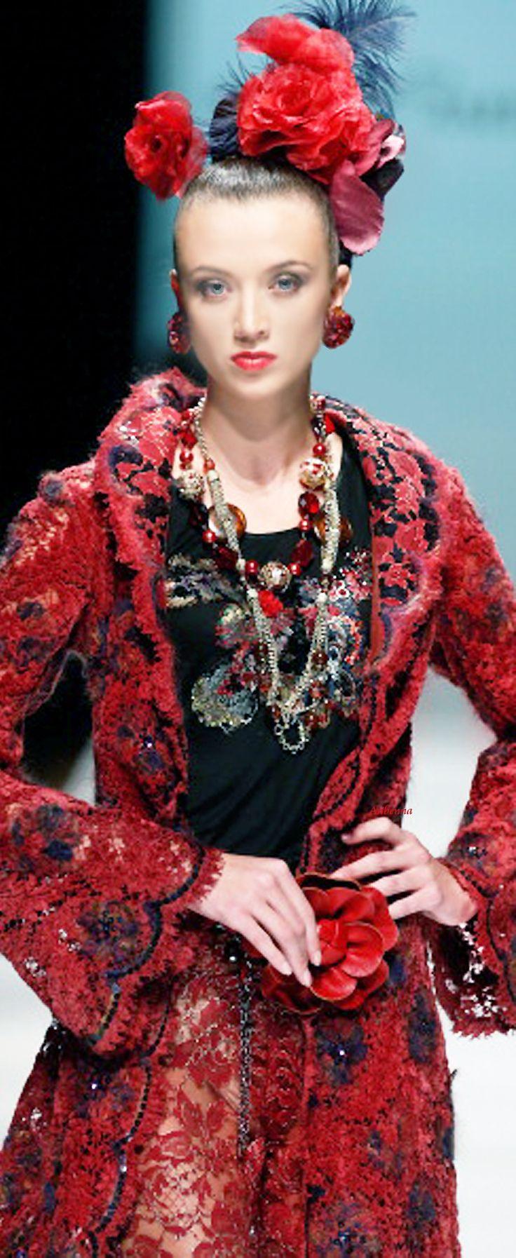 SLAVA ZAITSEV Haute Couture (Rus.)