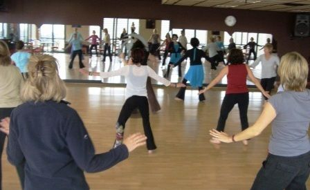 Time to hone your dancing career with Salsa dancing in santa monica. If you live in the Los Angeles area and if you are into Salsa dancing in Santa Monica, make sure to check this out. Well, if you are looking for Salsa in the greater LA area, be sure to check out the Arthur Murray Los Angeles dance studio.