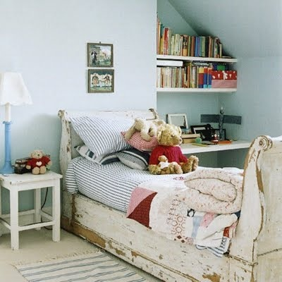 .: Sleigh Beds, Kids Beds, Diy Ideas, Kids Bedrooms, Kidroom, Shabby Chic, Distressed Furniture, Child Rooms, Kids Rooms