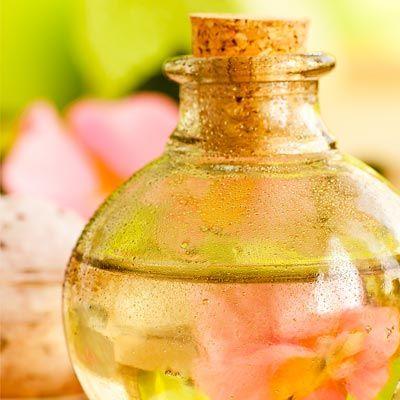 Badezusätze - Rezept zum selber machen für Badeöl für Blütenbad