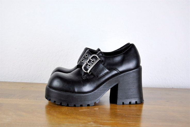 I'm in love: vintage shoes, 1990s black GOTH CHUNKY heel platform shoe w/ buckle