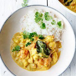 Curry z kurczakiem, fasolką, mlekiem kokosowym  i pomidorem | Kwestia Smaku