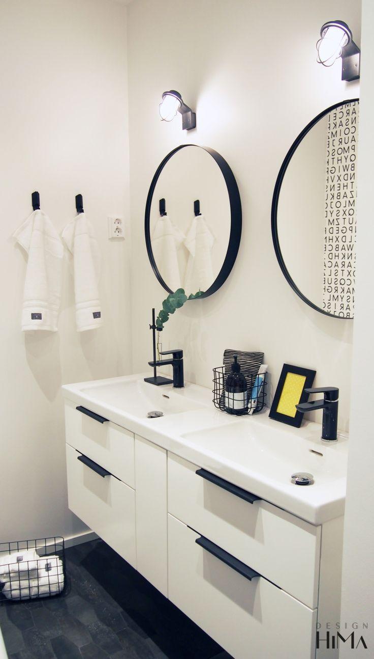 Asuntomessut 2017 Mikkeli, Casa Wellikulho, mustavalkoinen kylpyhuone, pyöreät peilit, mustat hanat, black and white bathroom, black taps, round mirrors