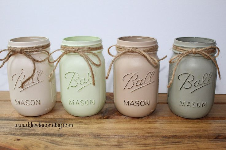 Set of 4 Pint sized, handpainted and distressed mason jars. perfect for centerpieces, vases, or organization. Use them in your home, office, cottage or even as decor at your wedding or next party event! Available at www.kleedecor.etsy.com
