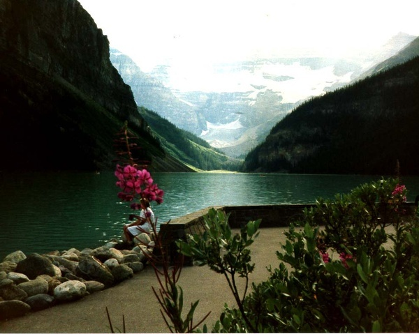 another shot of Lake Louise, alberta http://media-cache9.pinterest.com/upload/5981411975216255_HGam8zFD_f.jpg joshie52 places where i want to travel
