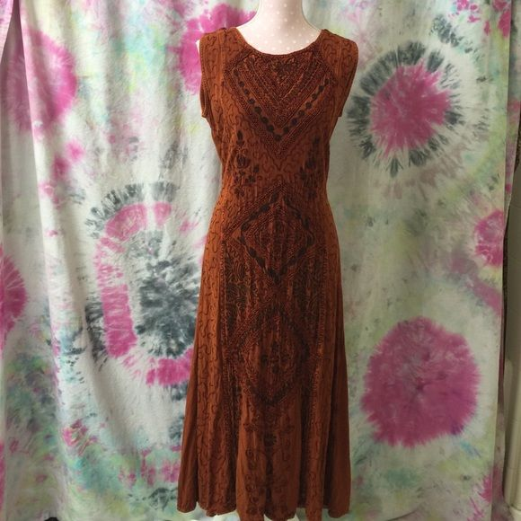 "Burnt orange dress midi/maxi The detail on this is amazing. No size tag. IMO medium to large. Pit to pit about 20"" length is about 49"" vintage maybe!dress form/mannequin details:bust 34"" waist 26"" length 23"" Vintage Dresses Midi"